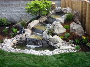 Фонтаны и водопады в саду